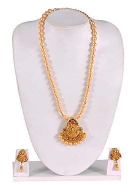 Moti Studded Golden Color Necklace Set