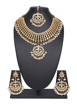 WhiteTradisiya Necklace Set