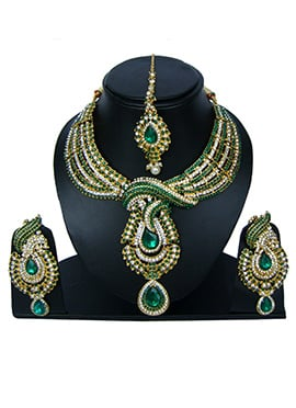 Green N White Zircon Stone Necklace Set