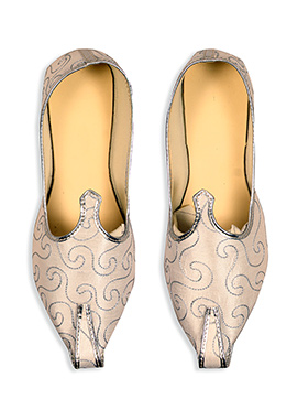 Ae Dil Hai Mushkil Beige Embroidered Mojris