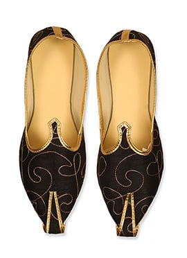 Ae Dil Hai Mushkil Black Embroidered Mojris
