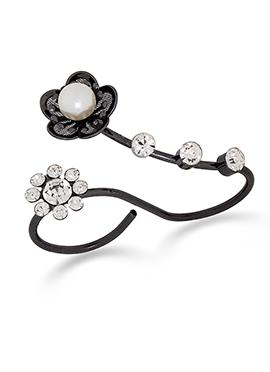 Black Floral Style American Diamond Stud Ring