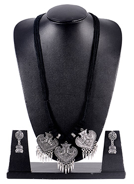 Black N Silver Pendant Set