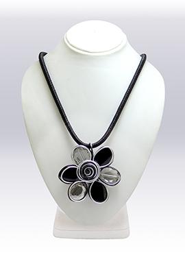Black N White Pendant