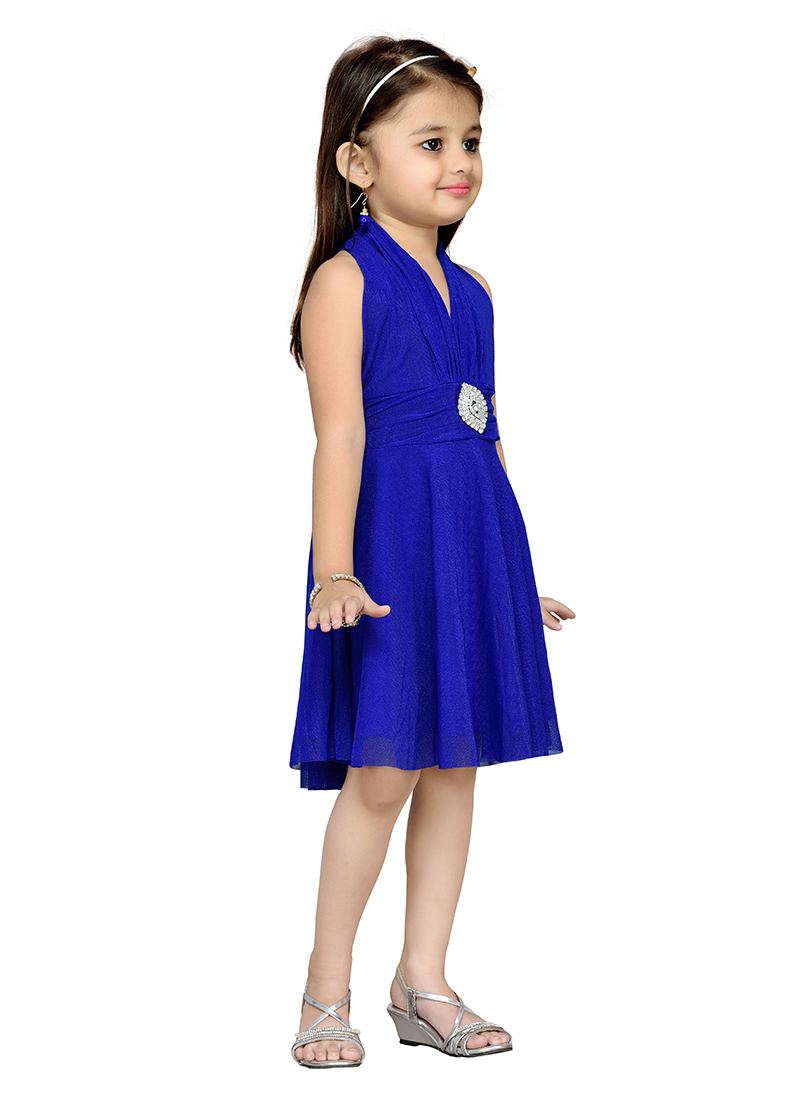 Online Shopping for Quality Kids Clothes. We offer great value, high quality and stylish kids' clothing for boys and girls with a fabulous range for all types of occasions from dresses for girls, boys' suits and communion outfits, to the latest trends such as boys' chinos.