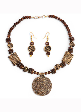 Brown Beads Gold Plated Pendant Set