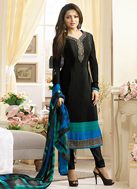 Drashti Dhami Black Crepe Churidar Suit