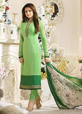 Drashti Dhami Light Green Crepe Churidar Suit
