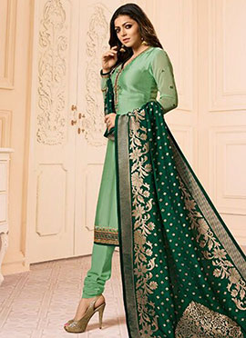 Drashti Dhami Light Green Embroidered Churidar Suit