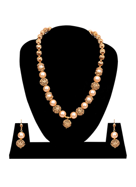 Gold N Cream Necklace Set