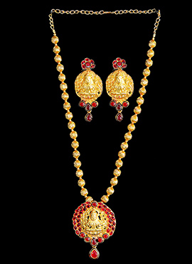 Gold N Red Pendant Set
