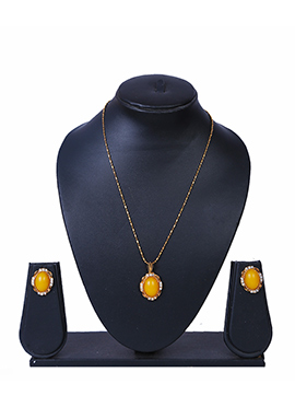 Gold N yellow Pendant Set