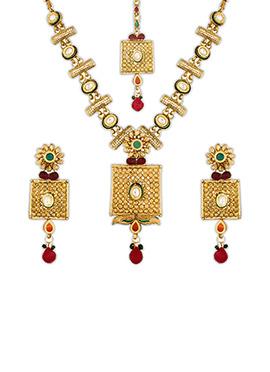 Gold Stone Studded Necklace Set