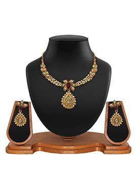 Golden Color Floral Pattern Necklace Set