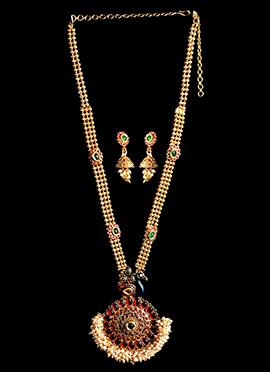 Golden N Red Necklace Set