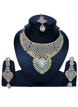 Golden N White Zircon Stone Necklace Set