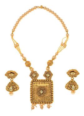 Golden Plated Kundan Necklace Set