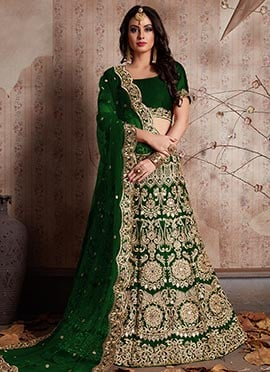b1c3187e68 Wedding Dresses: Buy Latest Indian Wedding Dresses For Women