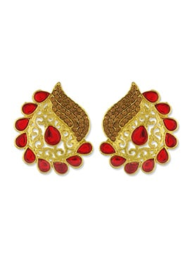 One Stop Fashion Golden Carved Foliage Designed Studs