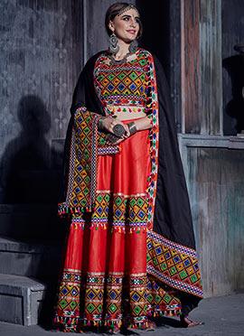 Heavy embroidery work on silk Black lehenga choli for beautiful bridesmaids Ghagra choli chaniyacholi