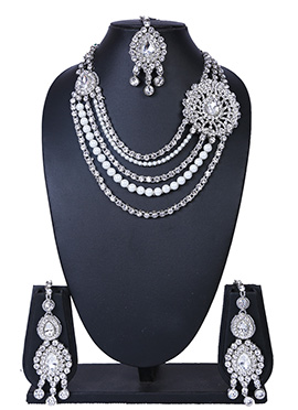 Silver N White Necklace Set