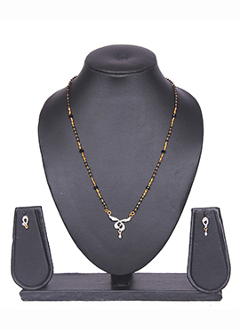 Traditsiya Black N Golden Traditional Mangalsutra Set