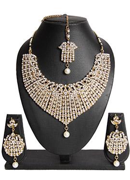 Traditsiya Golden Necklace Set