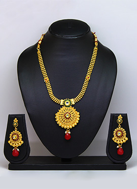 Tricolored Necklace Set
