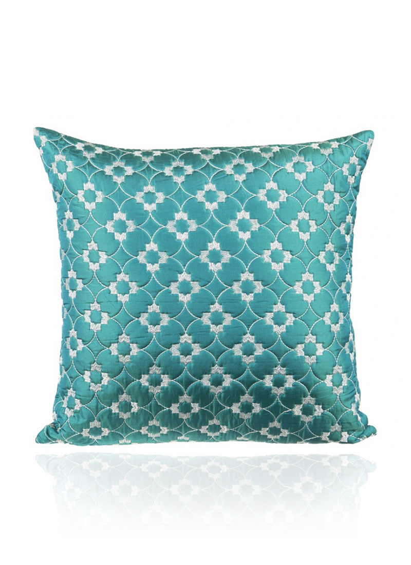 Refresh your outdoor living area with the turquoise Lalo Oxford Boxed Edge Dining Chair Cushion from Jordan Manufacturing. This durable, yet comfortable polyester cover offers protection against weather, fading, mildew and stains with modern style.