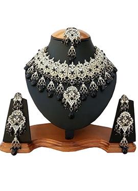 White N Black Zircon Stone Necklace Set