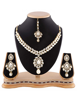 White N Golden Stone Necklace Set