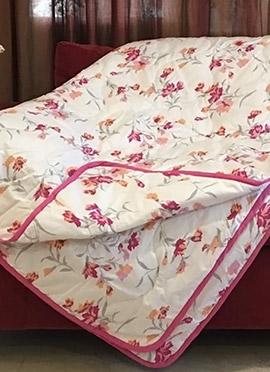 White N Pink Cotton Quilt