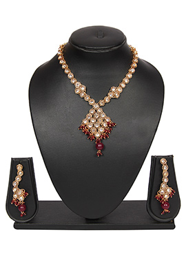 White N Red Traditsiya Necklace Set