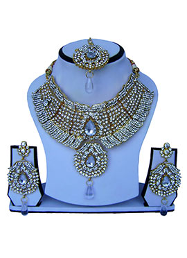 White Zircon Stone Necklace Set